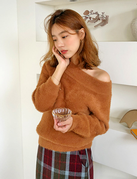 Fruit off-shoulder angora knit_S (size : free)