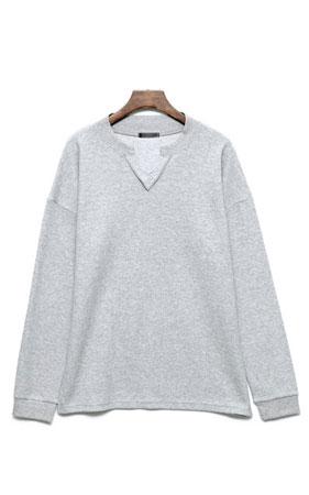 절개 브이넥 맨투맨 티셔츠