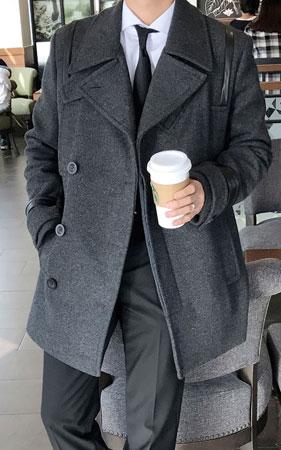 멀티포켓 소매배색 코트