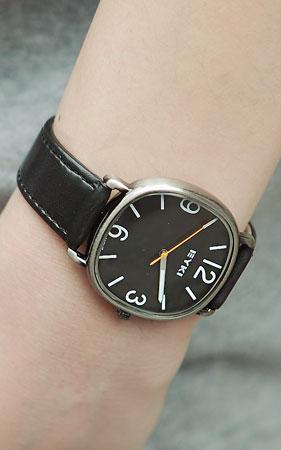 클래식 프레임 톤 시계